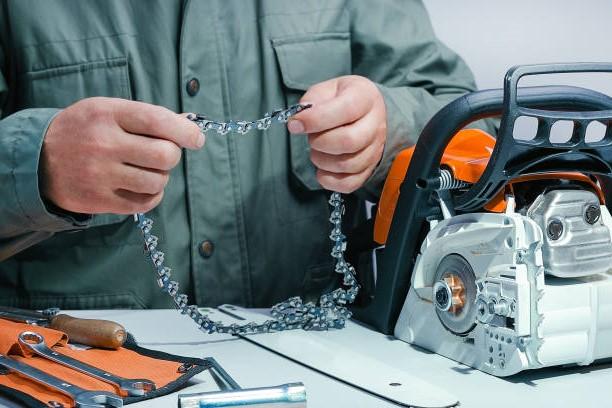 Láncfűrész karbantartása ellenőrzése